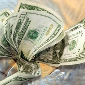 How to Save Money on Self Storage Units